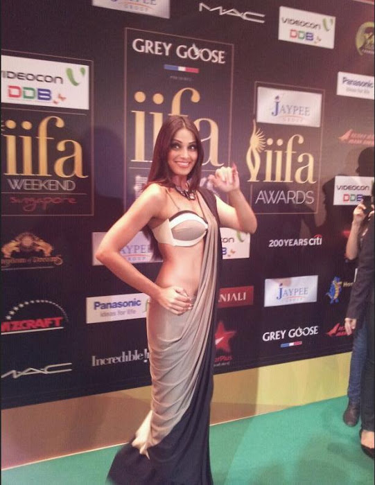 bipasha basu at iifa awards 2012 singapore actress pics
